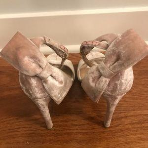 Valentino Garavani - Pretty Bow Velvet Heels
